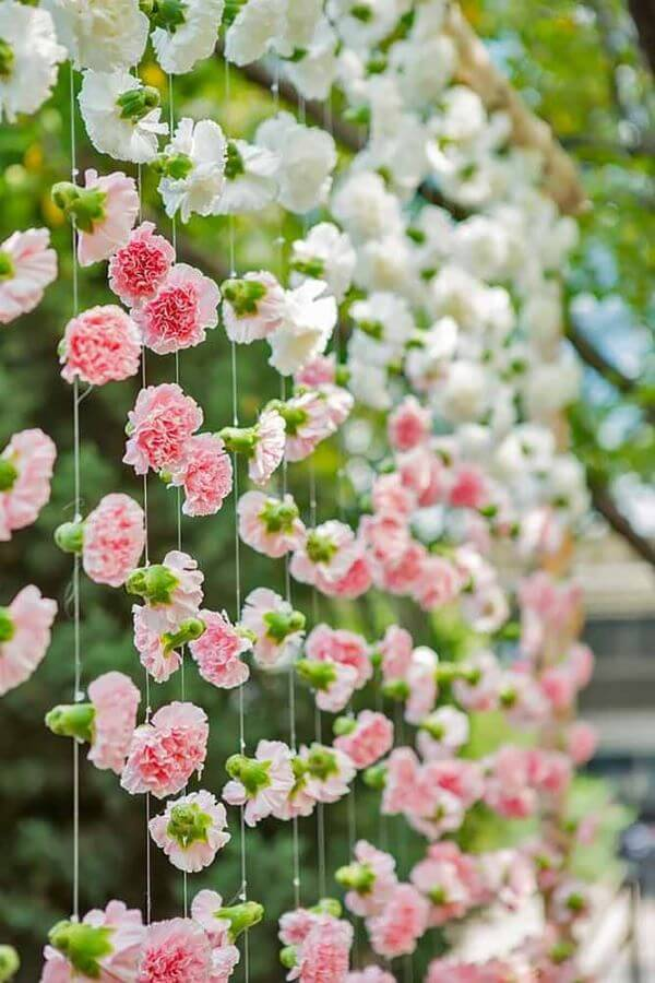 Flor de papel de seda rosa e branco