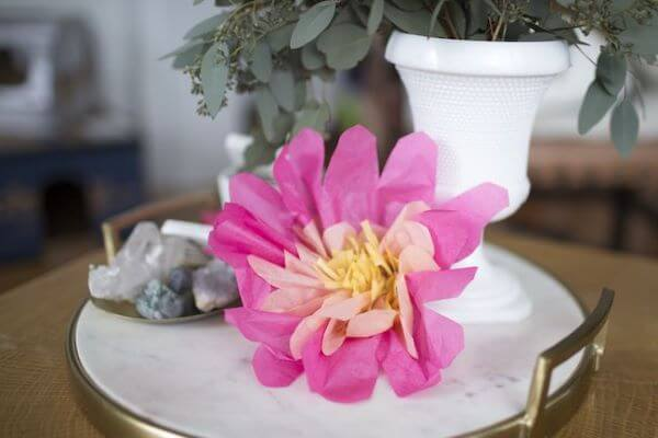 Flor de seda na decoração de casa