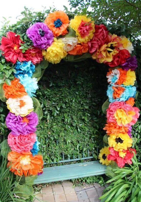 Flores de papel de seda gigantes para decoração de festa