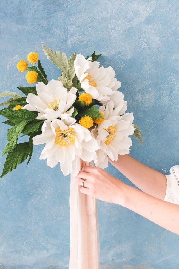 Flores de papel de seda para decorar casa