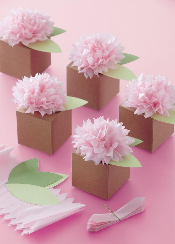 Flores de papel de seda para lembrancinha de festa de aniversário