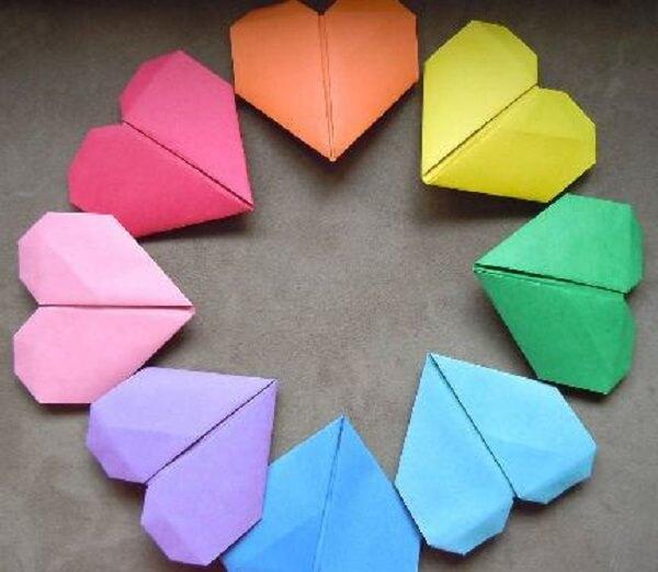 Origami fácil corações coloridos