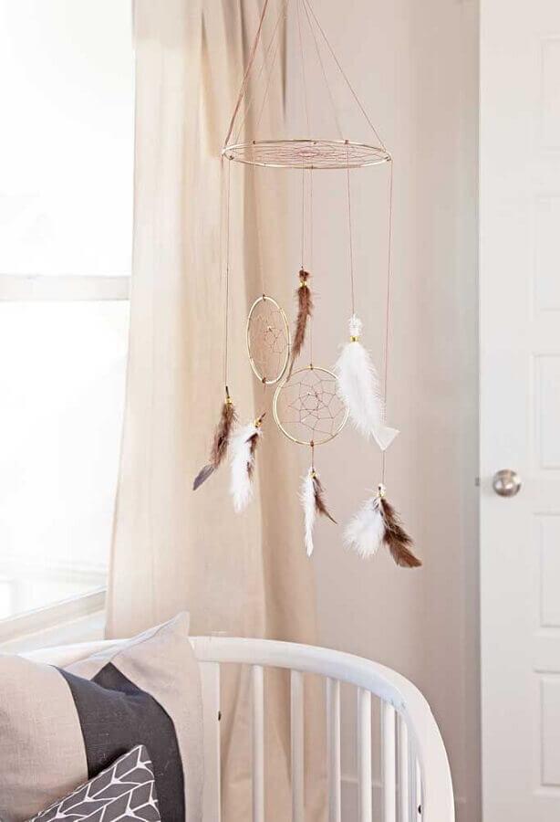 quarto de bebê decorado com pequeno filtro dos sonhos Foto Zahradní Nábytek