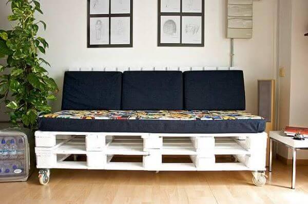 Aprenda como fazer sofá de palete para sala de estar