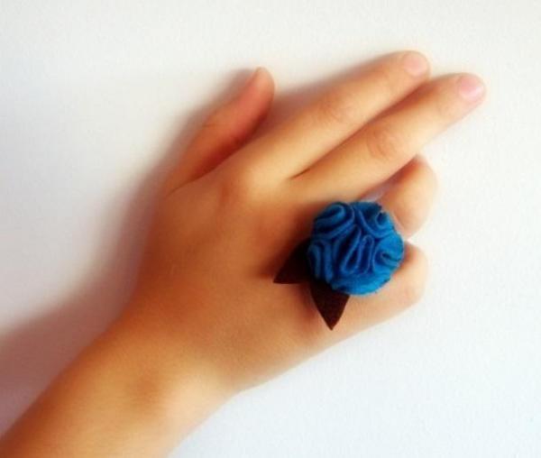 Felt Craft - Fabulous felt rings