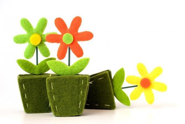 Felt crafts - Decorative flowers