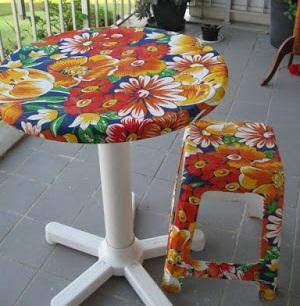 How to renovate a table with fabric