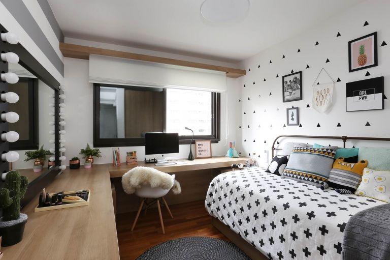 como colocar papel de parede - quarto de casal com papel de parede branco e preto