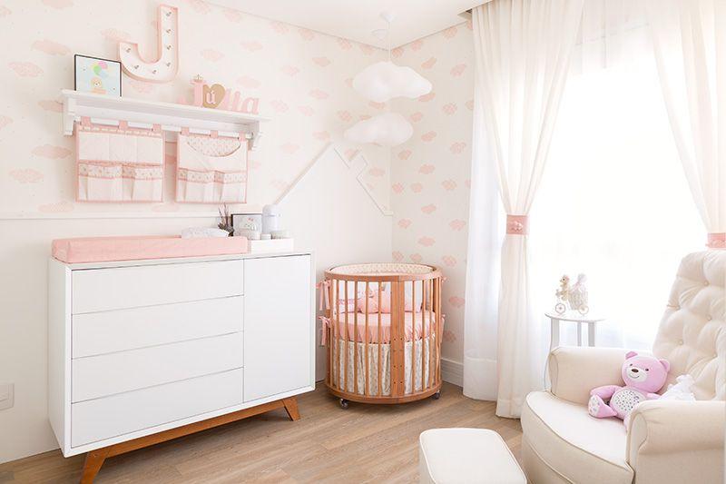 como colocar papel de parede - quarto infantil com papel de parede com nuvens