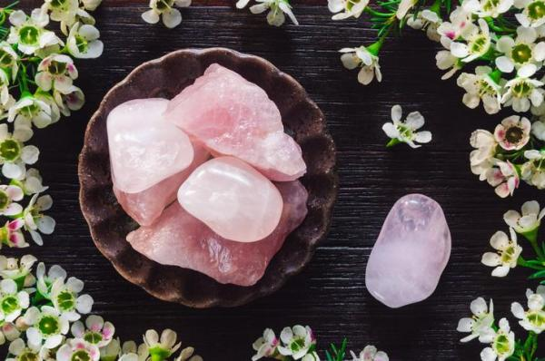 Pink quartz: meaning, properties and cleanliness
