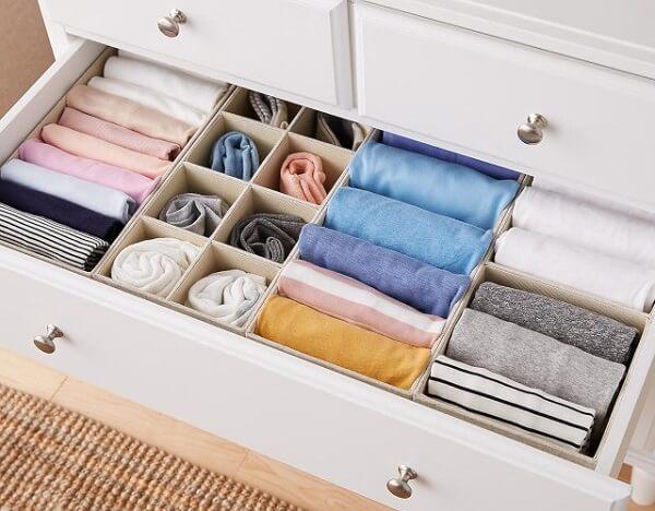 Os sachês perfumados para gavetas eliminam o cheiro de roupa guardada