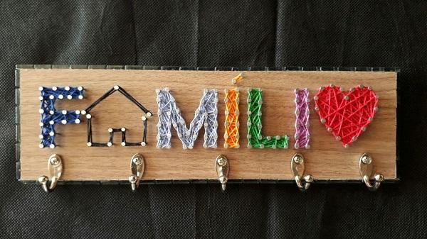 Modelo fofo de porta chave string art para casa