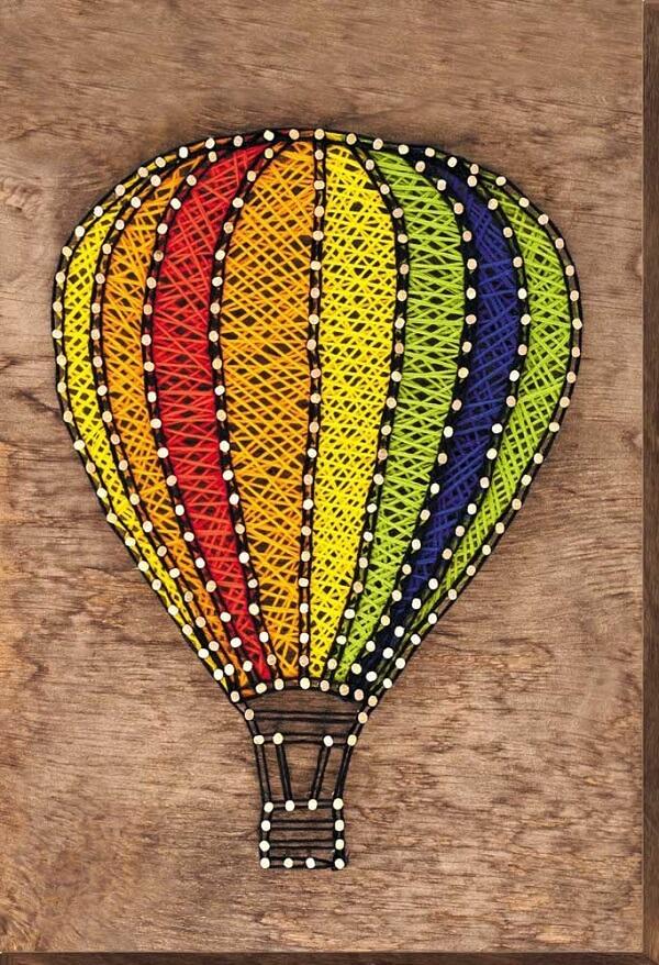 Balões podem ser feitos com a técnica string art