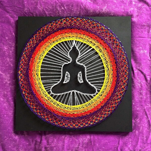 Buda e mandala fazem parte desse lindo quadro string art
