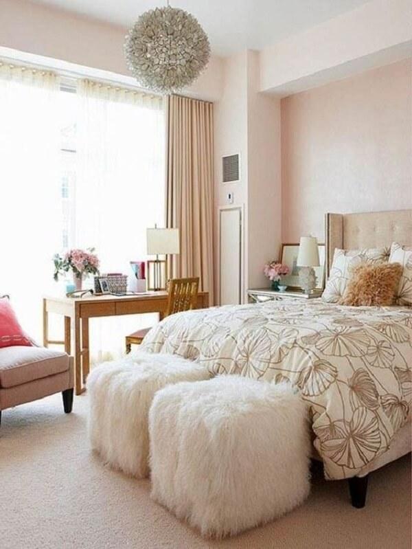 Decore o quarto de casal com modelos fofos de puff de garrafa pet quadrado