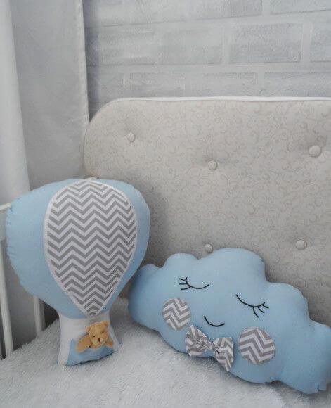 Nuvem de feltro para quarto de bebê bem decorado