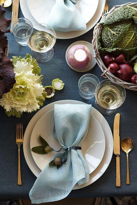 Como dobrar guardanapo de modo simples para mesa bonita