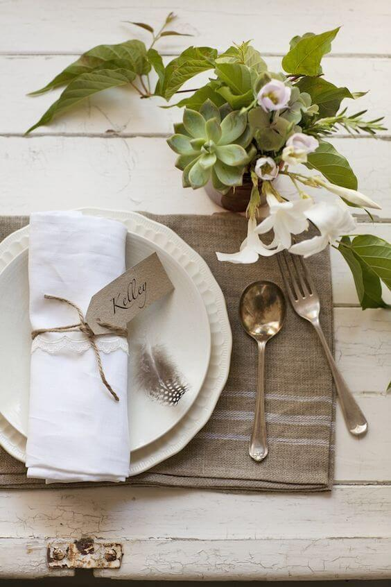 Como dobrar guardanapo simples para decoração de mesa