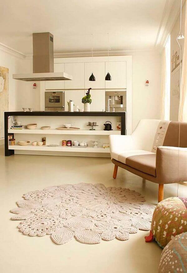 Veja como fazer um tapete artesanal para sala de estar