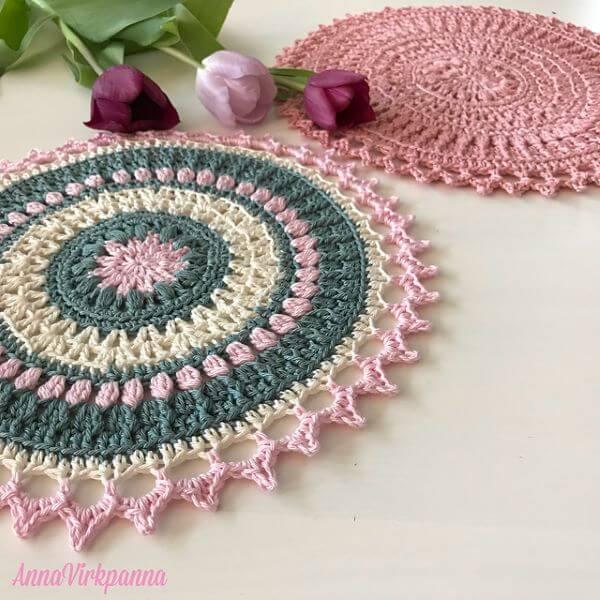 Crochê para iniciantes com rosa e azul