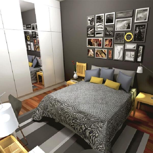 Decoração de quarto de casal com quadro de fotos em diferente molduras
