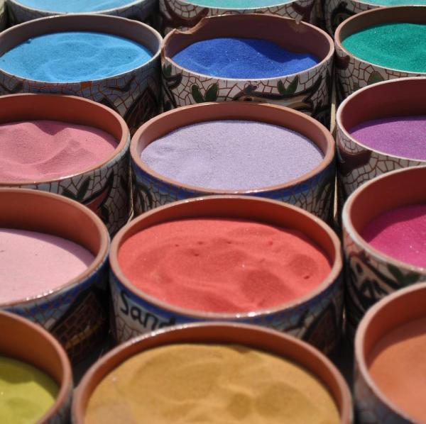 How to make acrylic paint at home